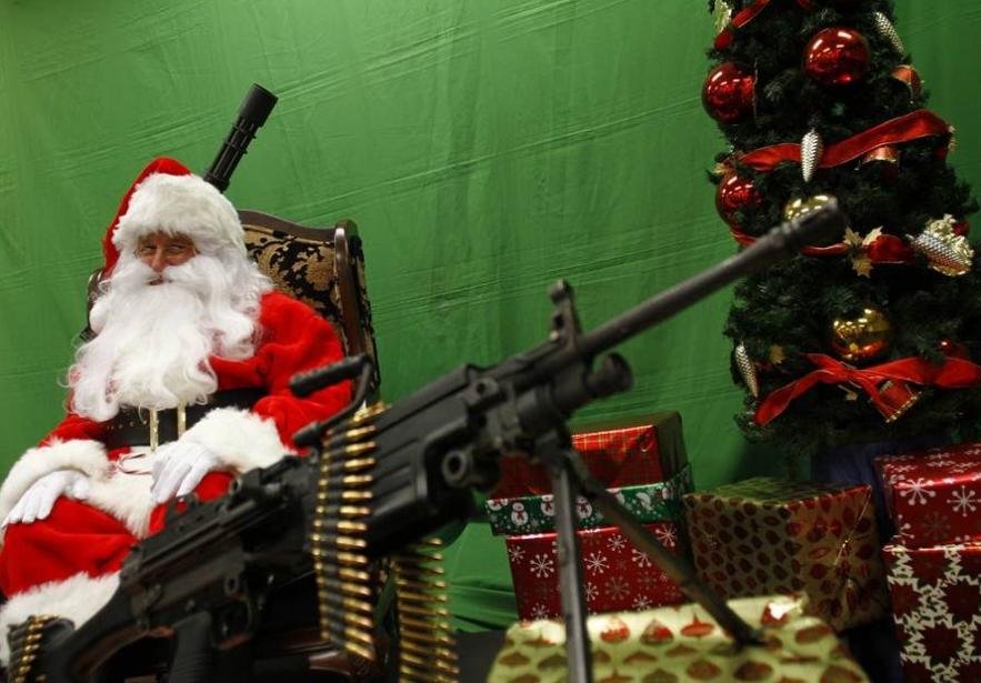 santa-w-guns